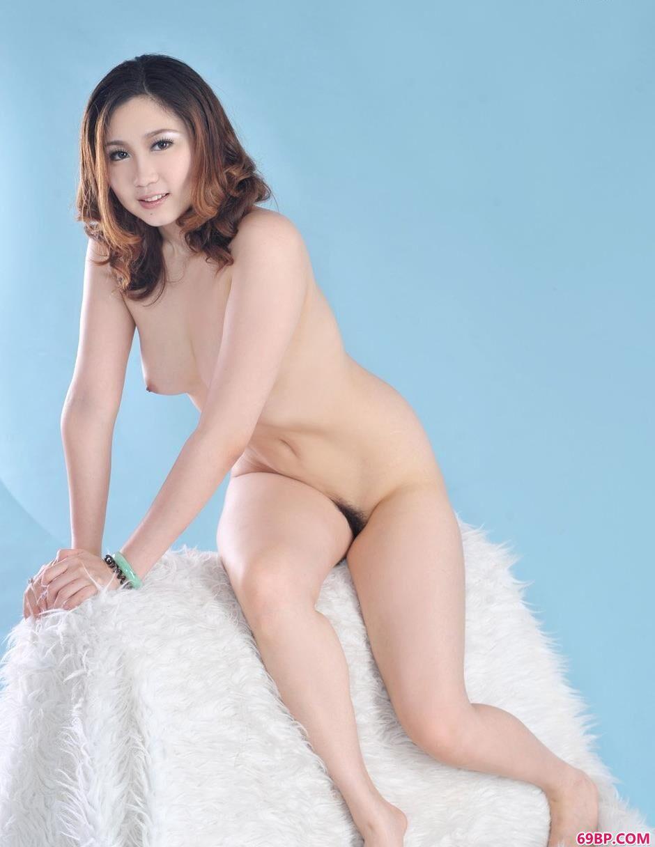 美模美惠毛毯上的美体3_偷窥wc女厕所6843494